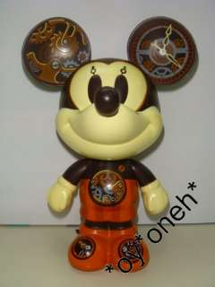 DISNEY TIME IS MICKEY MOUSE GOLD VINYL FIGURE