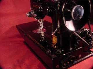 SINGER * FEATHERWEIGHT * MODEL 221 1 * SEWING MACHINE +