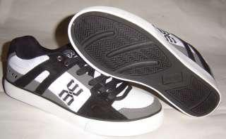 WORLD INDUSTRIES Beretta Skateboard Shoes 1 UK Char/Wht