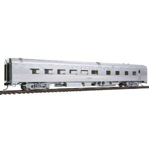 Walthers Budd Streamlined HO Scale Diner Ready to Run