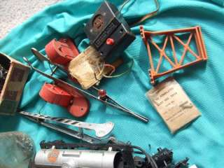 GAUGE ENGINES, TRACK RADIO TOWER CARS AMERICAN FLYER PARTS LOT