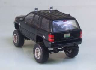 Jeep Grand Cherokee OOAK Custom LIFTED 4x4 Chassis 1:24 Tamiya Builtup