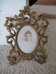 Victorian Antique Gold Cast Iron Metal Oval Picture Frame