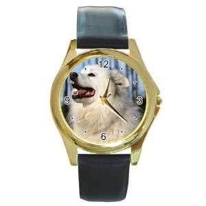American Eskimo Dog Round Gold Trim Watch Z0011