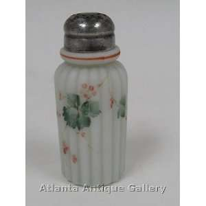 . Washington Crown Milano Ribbed Pillar Salt Shaker: Kitchen & Dining