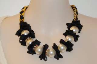BETSEY JOHNSON LARGE PEARL & RIBBON NECKLACE NWT $125