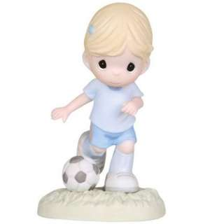New PRECIOUS MOMENTS Figurine SOCCER PLAYER BALL ☆
