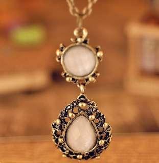 V9009 New Fashion Jewelry Retro Rhinestone Palace gem pendant Necklace
