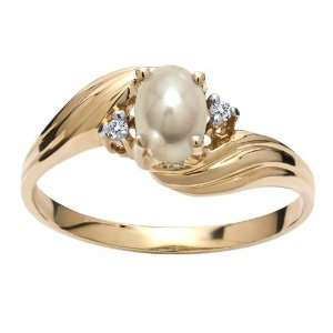 Yellow Gold Oval Pearl And Diamond Ring size 6 Jewelry